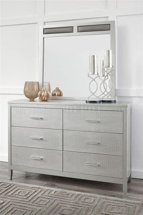 olivet bedroom pc set   silver finish  ashley furniture