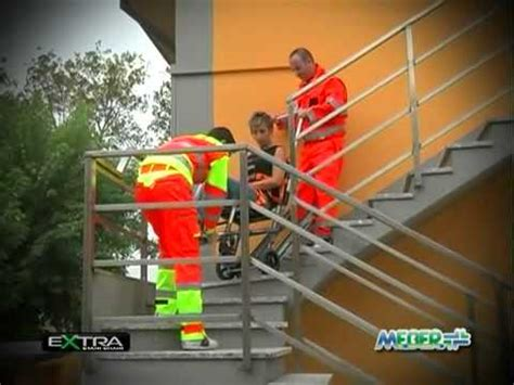 sedie per disabili per scendere scale sedia portantina scendiscale assistita