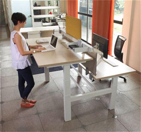scrivanie regolabili in altezza la scrivania regolabile in altezza rende pi 249 sani ed
