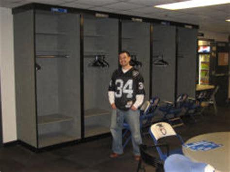 raiders locker room nfl football stadiums oakland raiders stadium mcafee coliseum apr07