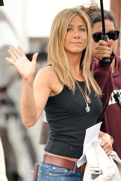 8 Aniston The Bounty Promo Looks by 294 Best Aniston Images On O