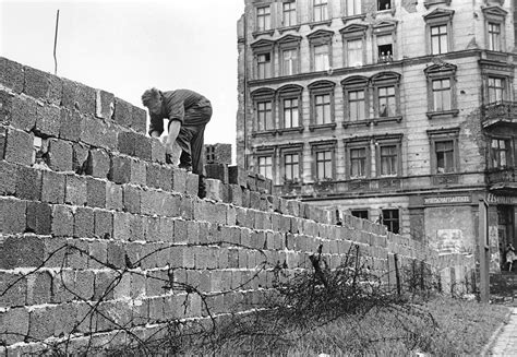the berlin wall story 3861536501 germans quietly pass an equinox of unity but the walls remain the new york times