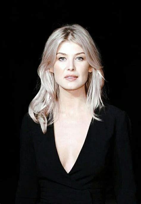 lovely rosamund pike 27 best rosamund pike lovely pics images on pinterest