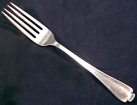 how to use a fork