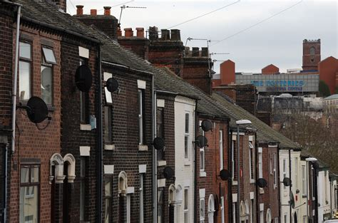 Rundown Stoke On Trent Homes On Offer For 163 1 Metro News
