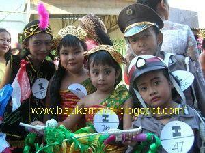 Baju Karnaval Pilot Atau Baju Daerah syifarah baju karnaval anak surabaya