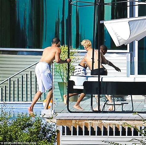 justin bieber house address justinbieber glass house mansion 4 justinbieberzone com