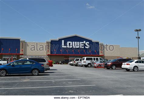 lowes hardware store stock photos lowes hardware store