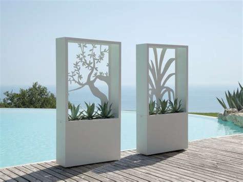 vasi colorati da esterno vasi e fioriere da esterno foto 4 40 design mag