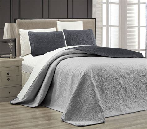 Medallion Quilt Set by Embossed Charcoal Medallion Reversible Bedspread Quilt Set