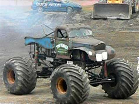 mater monster truck videos tow mater monster truck spins jumps cars youtube