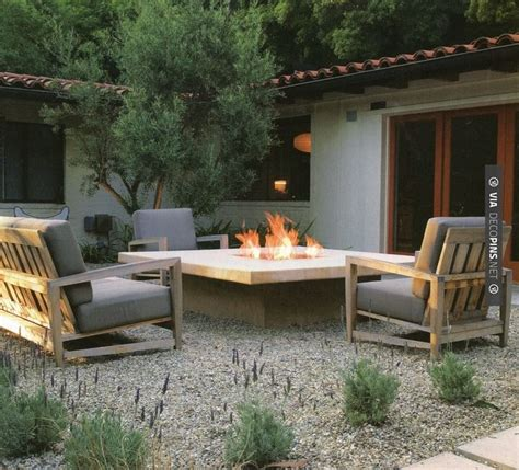 Raised Gravel Patio by 1000 Images About Gravel Patios On Pea Gravel