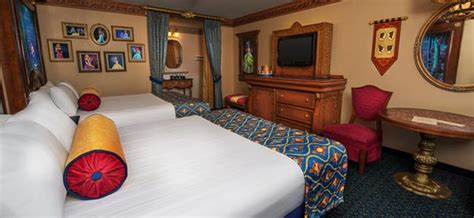 Disney World Princess Themed Rooms by Disney World Themed Hotel Rooms Royal Cars Mermaid King