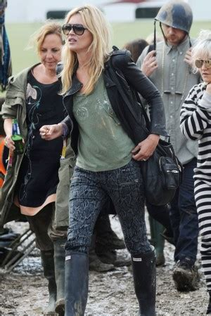 Ahhh The Divas Bff Kate Moss The Does by Festival Fashion At Glasto Stylescoop South