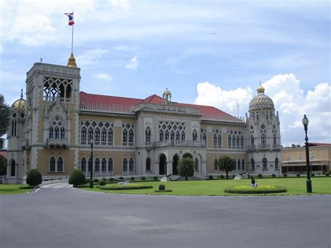 house of government panoramio photo of government house of thailand