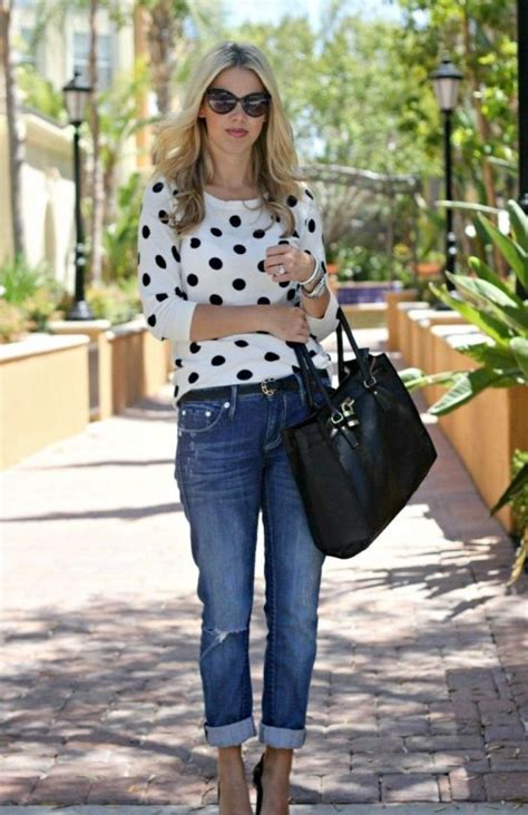 25 Casual Outfits For Women Over 40   GetFashionIdeas.com