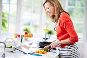cooking at home tips for cooking healthy food at home myfooddiary