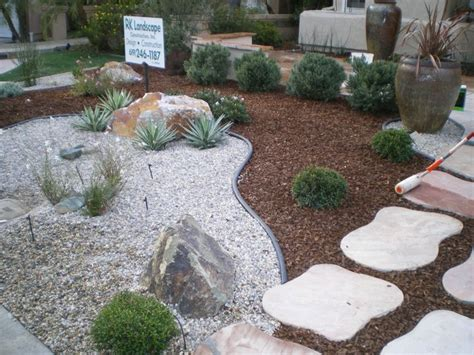 florida backyard landscaping ideas best 25 low maintenance landscaping ideas only on