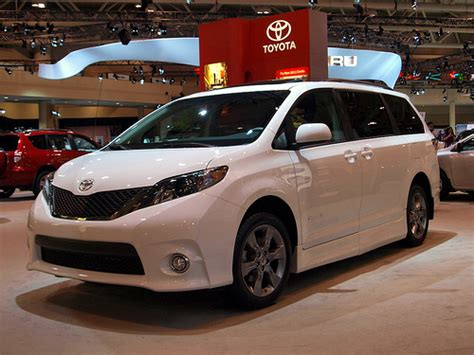 Haddad Toyota Exploring The Trims Of The 2017 Toyota