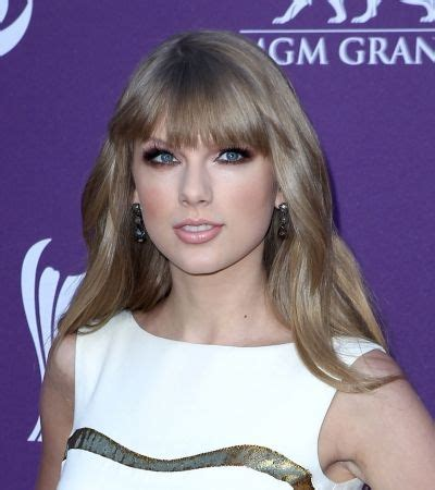 what colours does taylor swift use for ash blonde hair taylor swifts ash blonde hair color pinterest