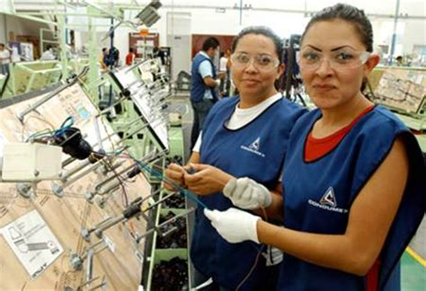 imagenes mujeres trabajando ofertan hoy mil vacantes en la feria del empleo de la