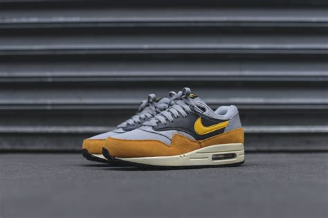 Maxy Gold 2 In 1 by Nike Air Max 1 Gold Leaf
