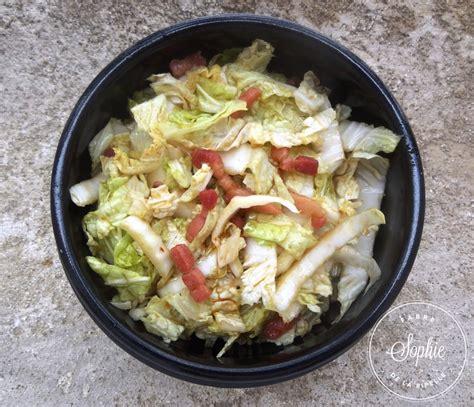 cuisiner le chou chinois en salade salade de chou chinois aux lardons caram 233 lis 233 s la