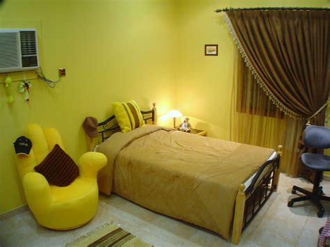 room deisgn yellow themed rooms