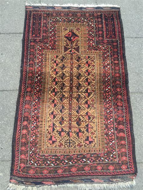 prayer rug size antique baluch prayer rug condition size 140x85cm 4 6 ft x 2 8 ft www najib de
