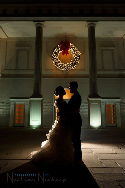 Back lighting with flash for silhouetted wedding portraits
