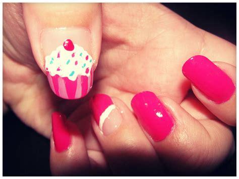 decorados de uñas de pies bonitos decoracin de uas fcil uas blancas largas flowers o