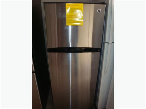 Apartment Fridge Used Ge Apartment Size 24 Quot New Stainless Steel Fridge And Stove