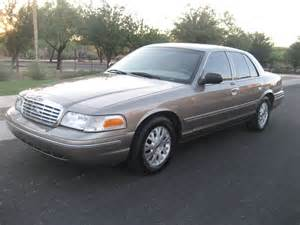 picture of 2005 ford crown lx exterior