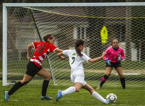 best soccer schools help us find the top flint area soccer goalkeeper