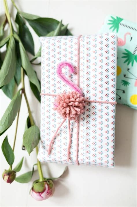 fun diy flamingo crafts   cheer   page
