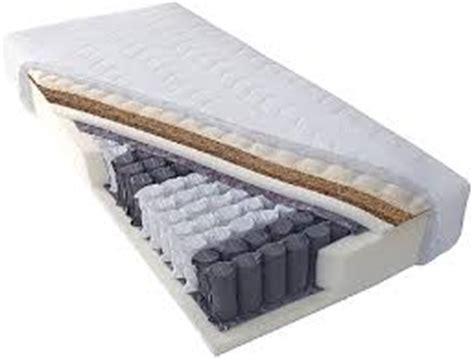 quale materasso scegliere per dormire bene come scegliere il materasso giusto per dormire e riposare bene