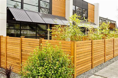 recinzione giardino in legno recinzione in legno e altri materiali scelta tipologie