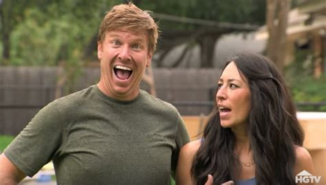 chip and joanna gaines chip and joanna gaines hilarious fixer upper outtakes