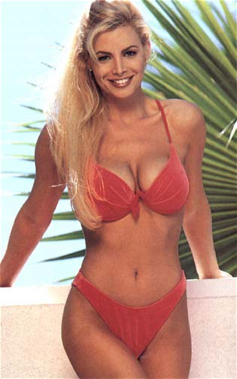 CINDY MARGOLIS   SEXY RED BIKINI
