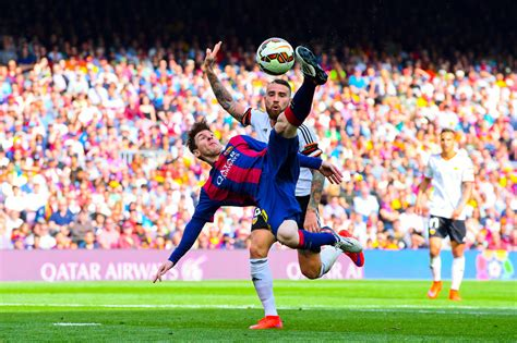 barcelona la liga fc barcelona v valencia cf la liga zimbio