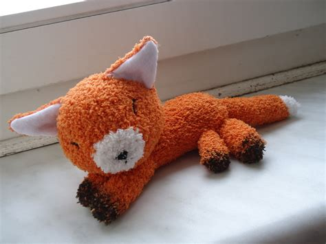 easy diy sock plush fox sock plushie 183 how to make a fox plushie 183 needlework and sewing on cut out keep