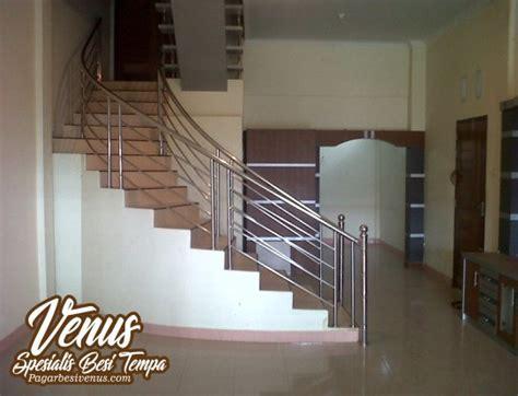 Railing tangga stainless steel   Venus