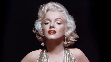 monroe s style notes marilyn monroe s earrings net record sale at