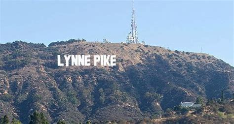 hollywood sign generator facebook the hollywood sign generator http hollywoodsigngenerator
