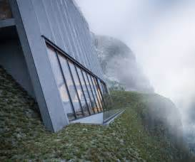 Spectacular triangular mountain cabin designed for the edge of a cliff
