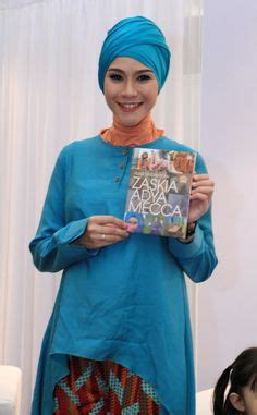 zaskia adya mecca buy the magazine at https www notes moshaict moslem fashion