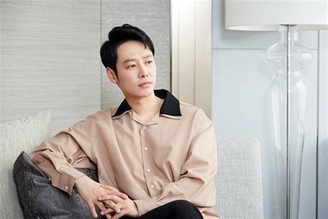 along with the gods hancinema interview kim dong wook talks about quot along with the gods