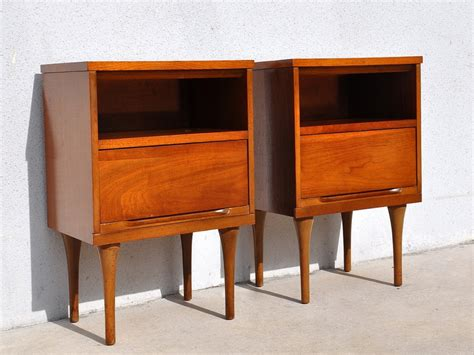 Mid Century Modern Nightstand by Bedroom Mid Century Modern Nightstand Pictures