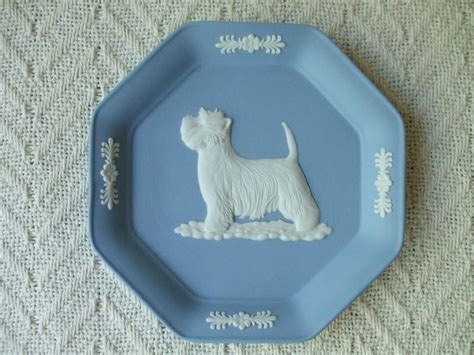 1000 images about wedgewood on armoires de and snowflake ornaments