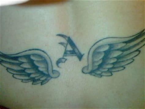 tattoo ali fondoschiena tatuaggi su ti stimo